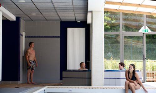 Espace Aquatique Piscine couverte avec Spa Hammam et Jaccuzzi au Camping Le Paradis