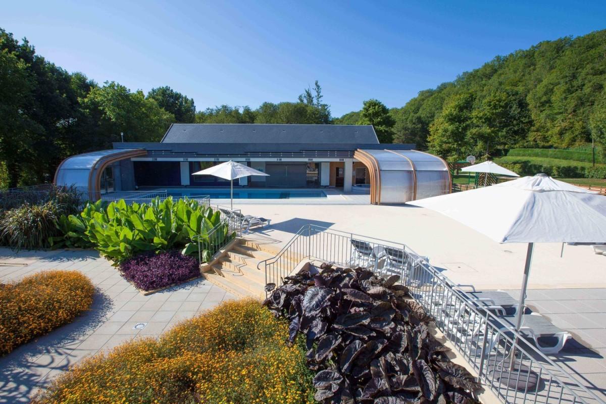 Camping avec piscines chauff es et piscine couverte en for Camping en dordogne avec piscine
