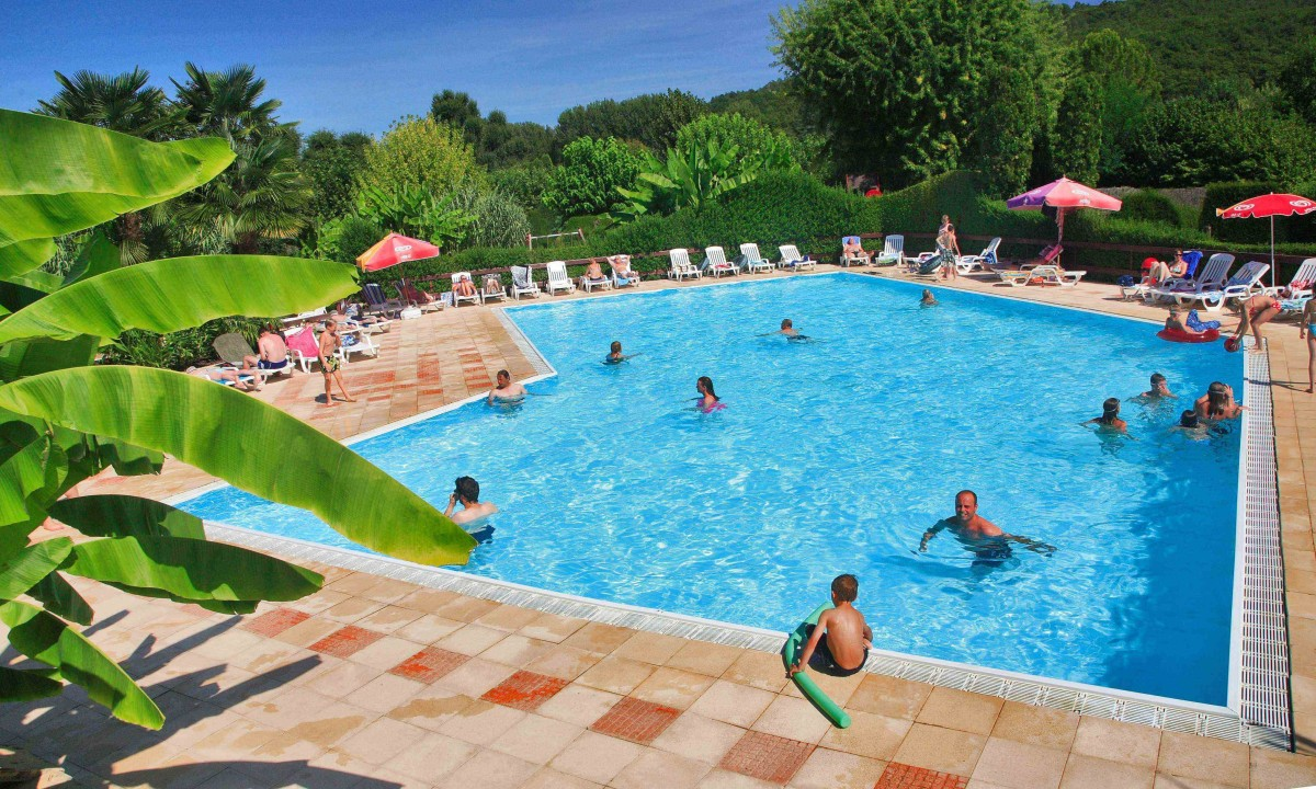Zwembaden camping le paradis for Piscine 92
